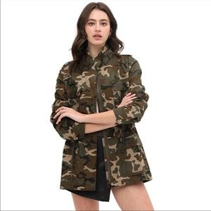 Love Tree Camouflage Utility Jacket Size Small